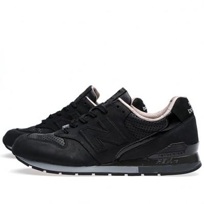 new balance zwart 996